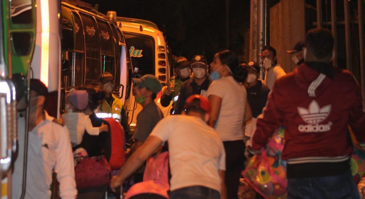 Gracias a donación de empleados y miembros de la Junta Directiva de la Cámara de Comercio de Bucaramanga más de 700 venezolanos regresaron a su país