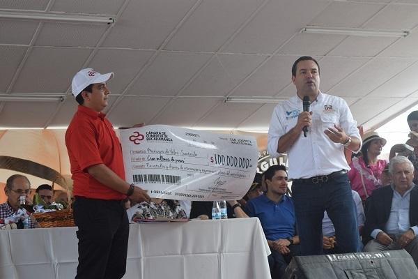 La Cámara de Comercio de Bucaramanga acompañó la 'Expedición Santander' en el municipio de Vélez