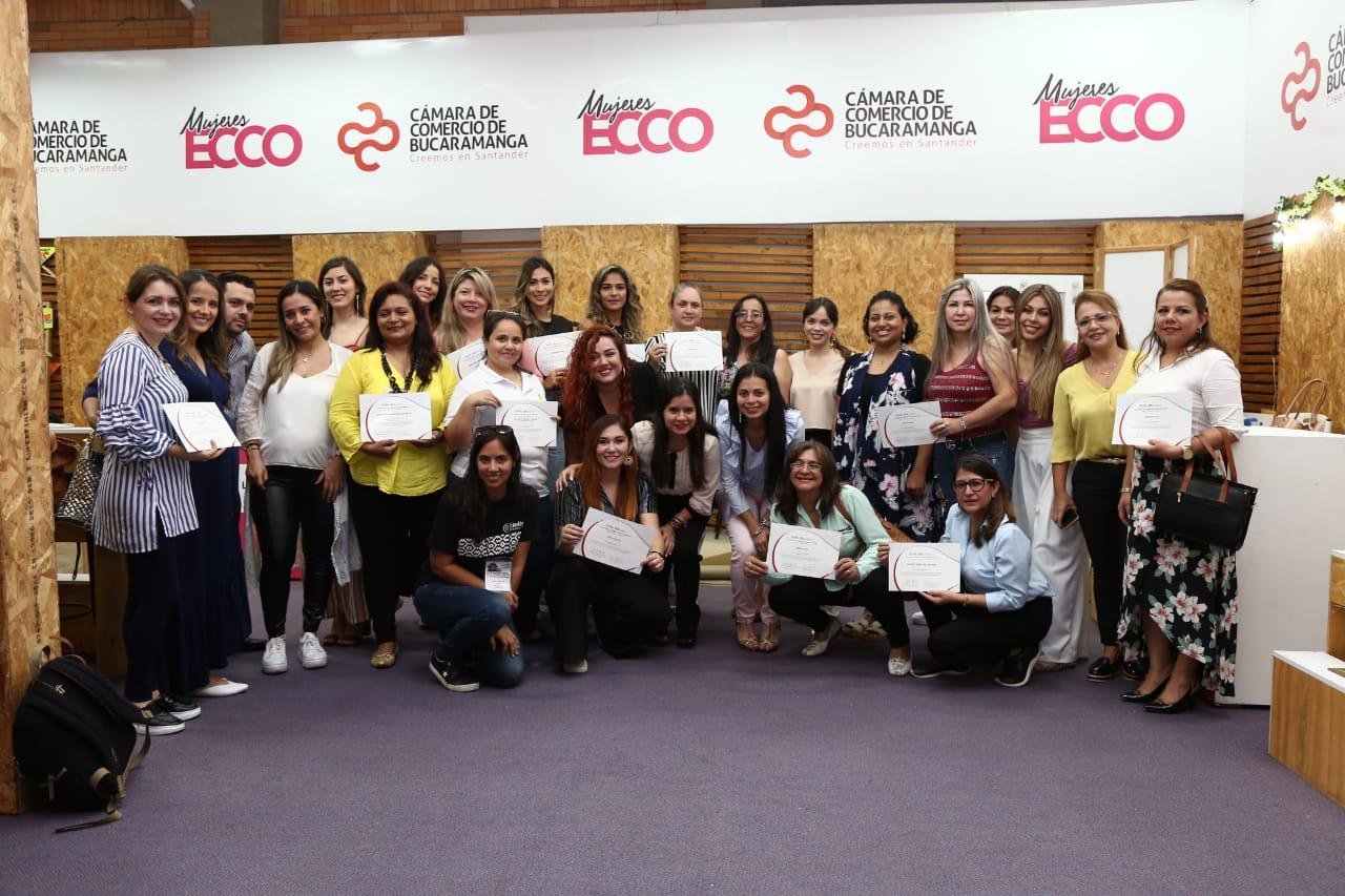 Mujeres lideran el 49.19% de las empresas registradas por personas naturales en la CCB