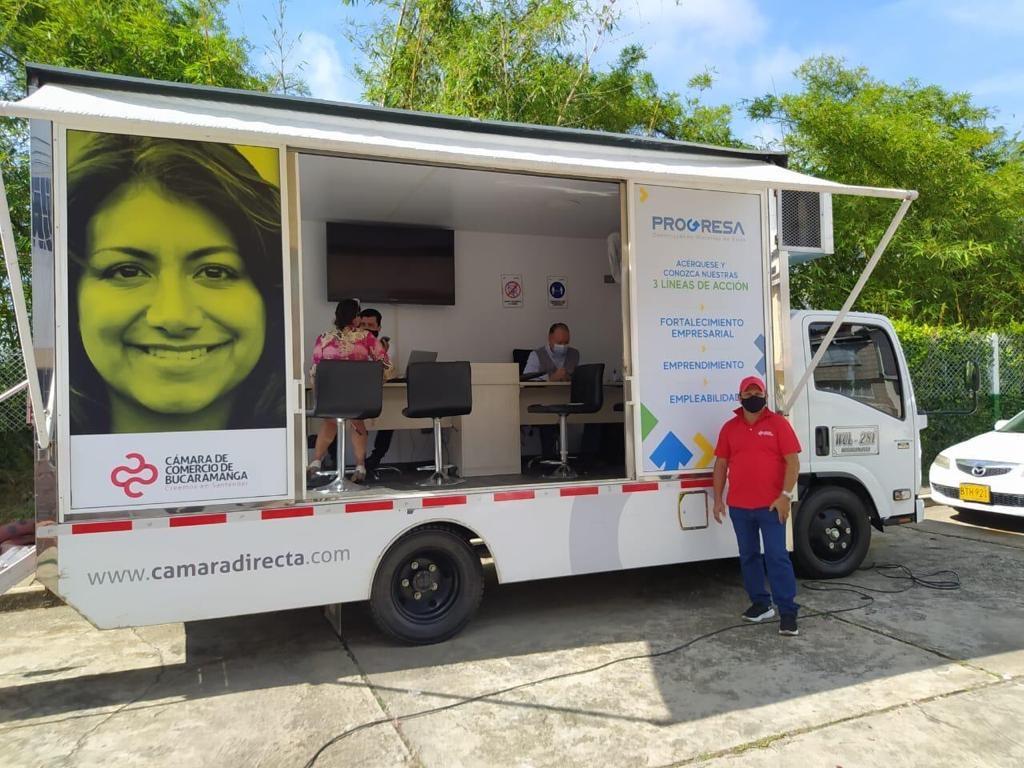 Con oficina móvil fortalecemos a los micro empresarios de Bucaramanga